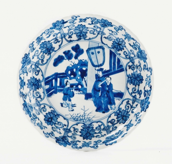 A blue and white Chinese porcelain saucer dish